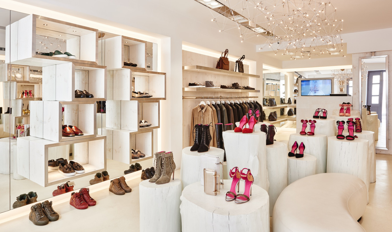 Fashion store projects eric kuster metropolitan luxury for Boutique deco