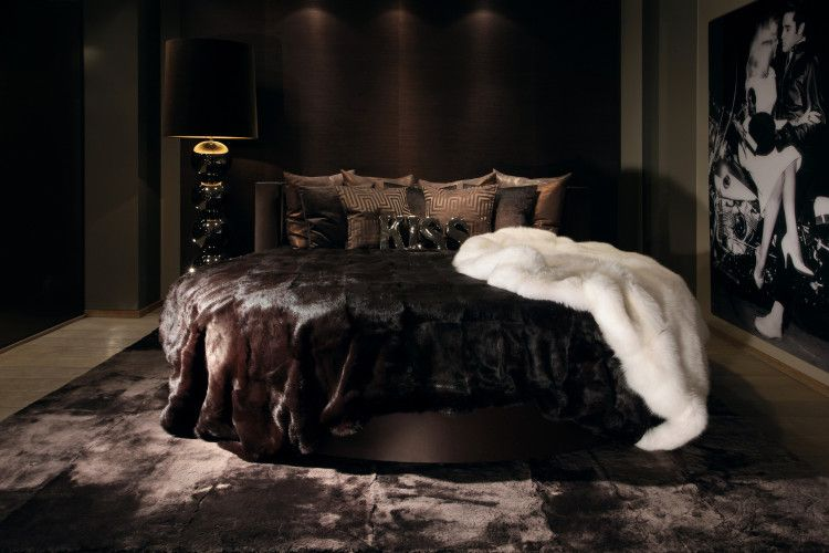 Blakes lounge bed