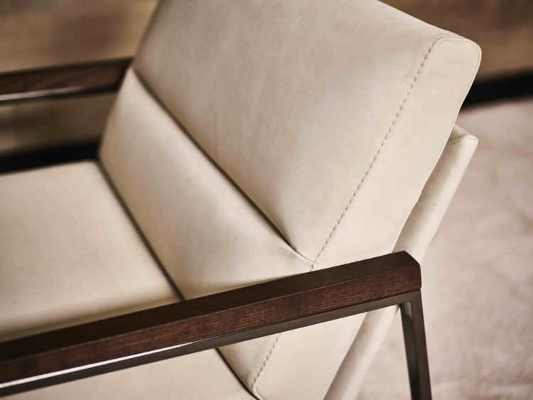 Legian lounge chair detail
