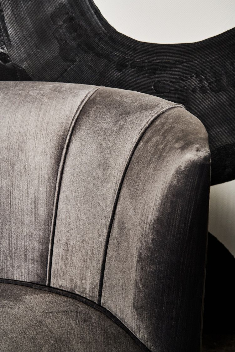 Detail Mansour Swivel Chair (with piping)