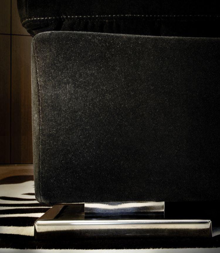 Detail Mercer Sofa