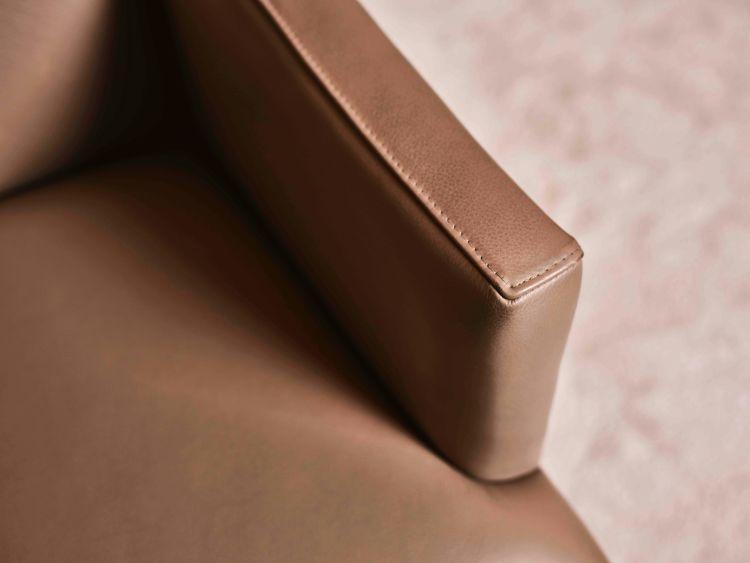 Detail Mondrian Dining Armchair