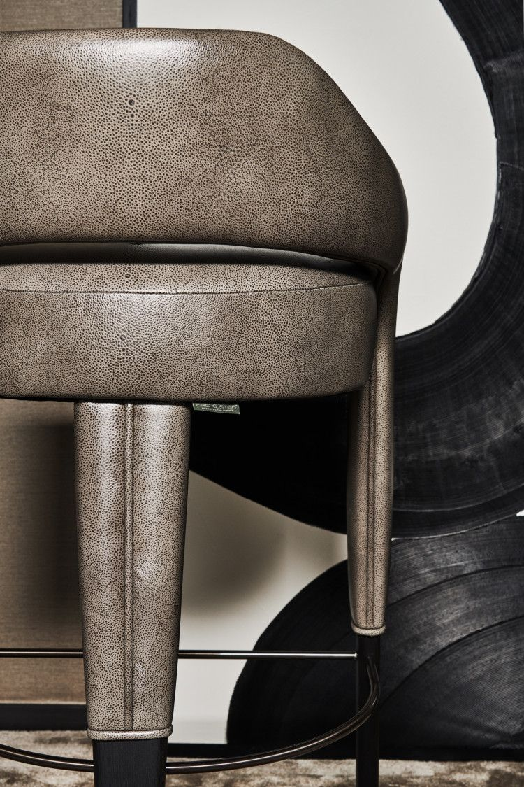 Detail Waldorf High Dining Chair